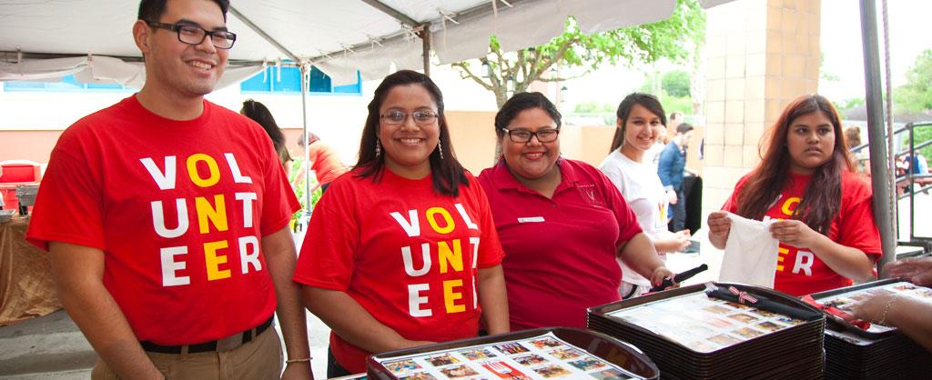 Volunteers at Men Who cook